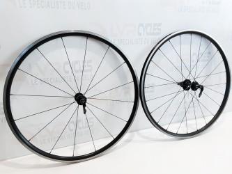 GIANT paire de roues...